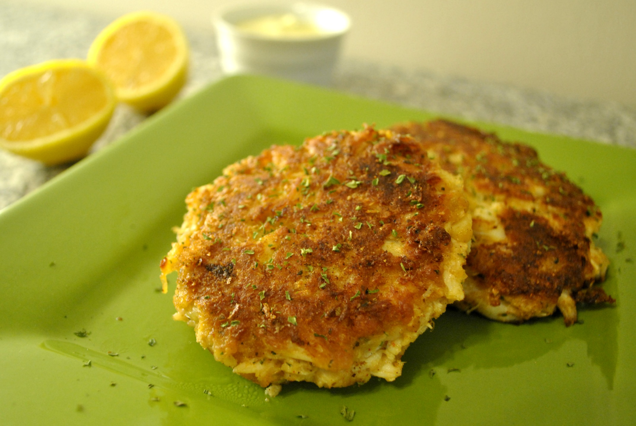 Maryland Style Crab Cakes | MealswithmyMan.com